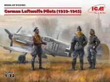 GERMAN LUFTWAFFE PILOTS 1939-45 (3 FIGURES) #32101 1/32 ICM