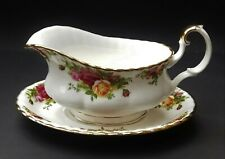 ROYAL ALBERT OLD COUNTRY ROSES GRAVY BOAT AND UNDERPLATE