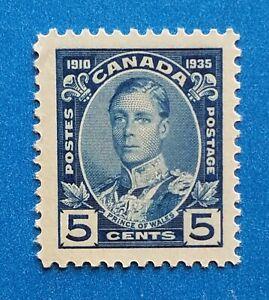 Canada Scott #214 MNH very well centered good original gum. Good wide margins.