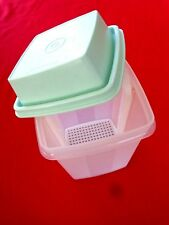 TUPPERWARE Large Pick-a-deli #1560 Sheer with Aqua Lid