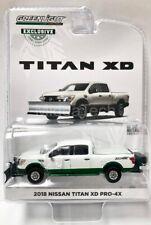 Greenlight 2018 Nissan Titan XD Pro-4x w/Snow Plow 1/64 Diecast Car 30021 Chase