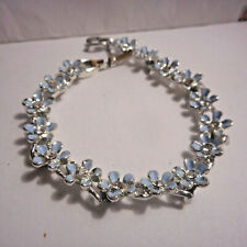 Beautiful  blue flower bracelet with rhinestones..