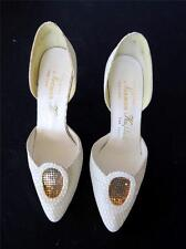 VINTAGE 1960'S NORMAN KAPLAN-STUART WEITZMAN 7 CO. WHITE HIGH HEEL SHOES SIZE 6