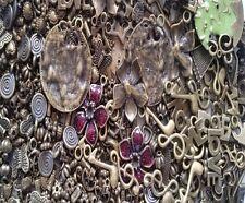 Antiguo Bronce mixto cuentas encanto Colgantes Aprox 40 A 80 Al Azar a0000 / Bronce 30g