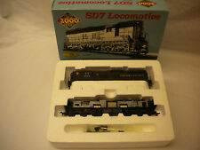 PROTO 2000 HO SCALE #8097 SD7 PENNSYLVANIA RAILROAD #8588 W/DYN BRKS