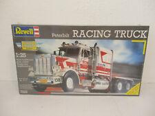 Revell 1 : 25  7533 Peterbilt Racing Truck NEU / OVP