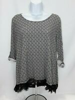 Women's Large Black/White Hippie Rose Knit Top