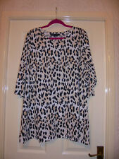BEAUTIFUL CAPSULE 3/4 SLEEVED TUNIC TOP - SIZE 24 - LEOPARD PRINT