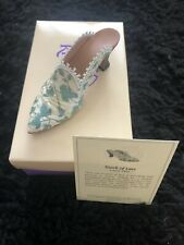 """Just The Right Shoe """"Touch Of Lace"""" By Raine - Free Shipping"""