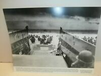 WW II ONE OF THE FAMOUS PHOTOGRAPH OF D-DAY 1ST DIVISION AMERICAN SOLDIERS