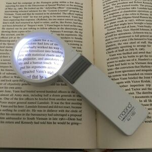 """4X Magno Eschenbach LED Hand Magnifier - 2.36 """" (60 mm) Lens Size 16D"""