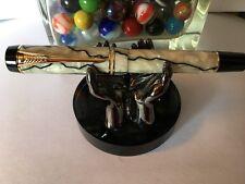 Parker Duofold Pen (Fountain Pen) Pearl & Black International Jr 18K