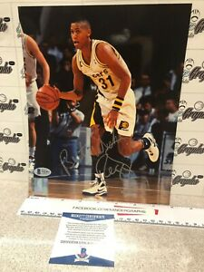 REGGIE MILLER SIGNED AUTOGRAPHED BASKETBALL 8X10 PHOTO-BECKETT BAS COA PACERS