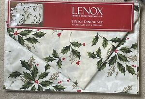 LENOX 8 Piece Table Dining Holiday Holly Damask Placemats and Napkins Set of 4