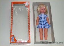Poupée Dorina 50 cm à la robe vichy dans sa boite d'origine