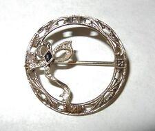 Vintage Beautiful Filigree 10k White Gold Ribbon w/Black Stone Pin Brooch