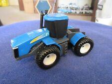 Ertl New Holland Modern Farm Tractor 1:64 S Scale