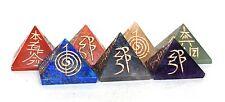 Reiki Energía Cargada Completa Grabado Pirámide De Cristal Chakra Set De 7 (mayor)