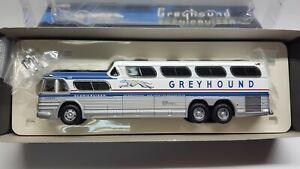 Corgi US54410 1:50 GM4501 Greyhound Scenicruser Destination Boston
