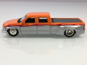 HOT WHEELS '99 CHEVROLET CREW CAB SLAMMED