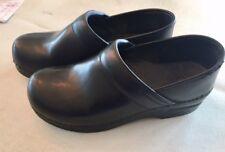 Dansko 39 womens black leather classic work clog stapled size 8.5/9