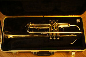 Bach Soloist Bb Trumpet with Case Mouthpiece Mute