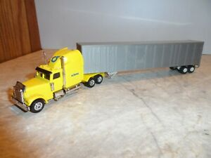GRELL HO SCALE FREIGHTLINER CONDO WITH GRAY TRAILER