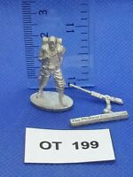 RPG/Rol/Modern/Apocalypse - Superviviente con Rifle - Metal OT199