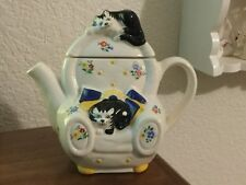 VINTAGE WADE ENGLAND TEAPOT FELINE COLLECTION JUDITH WOOTTON CAT LOUNGE CHAIR