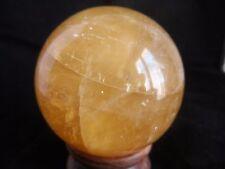 sphere en calcite miel de  510 grs diametre 7.1 cm de Chine 5a24