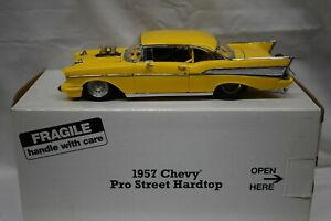 Danbury Mint 1:24 1957 Chevrolet Pro Street Hardtop Yellow