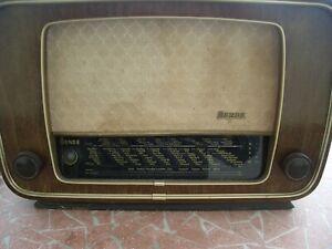 Altes Mende Radio