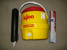 Igloo 3 Gallon Drinking Water with paper cup holder and paper cups