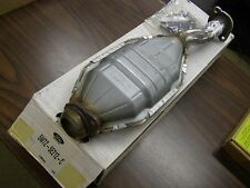 NOS OEM Ford 2005 - 2011 Crown Victoria Catalytic Converters 2006 2007 2008 2009