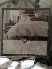 HOTEL COLLECTION EMBROIDERED FRAME  3 PIECE KING COMFORTER SET