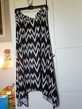 Avenue Plus Size Black and White pull on Ikat Handkerchief Hem Skirt Size 22/24