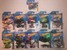 Hot Wheels Simpsons Angry Birds Peanuts Snoopy Jetsons Halo. Lot Of 11.