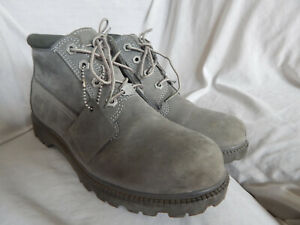 TIMBERLAND WOMAN GRAY LEATHER ANKLE BOOTS, SIZE 9M