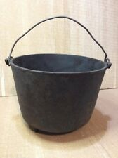 Cast Iron 3 Leg Bean Pot with Gate Mark  No 8 late 1800's Ex condition
