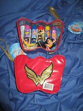 WONDER WOMAN DC Super Hero Girls LIP BALM w/Cosmetic/Make Up Case (Movie/TV/JLA)