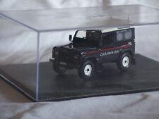Land Rover Defander CARABINIERI 1/43 UniversalHobby