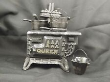 Vintage Queen Toy cast iron stove Greycraft Iron Pans in box. Great condition.