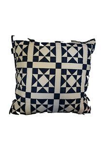"Calvin Klein Abigail 22"" X 22"" Geometric Quilted Cotton Decorative Pillow - Navy"
