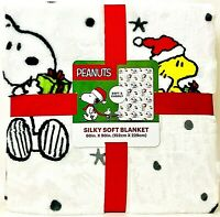 "Jay Franco & Sons Christmas Peanuts Snoopy & Woodstock 60"" X 90"" Soft Blanket"