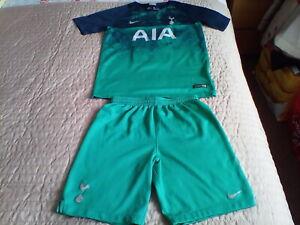 Tottenham hotspurs 2018 nike football shirt & shorts 3rd kit size aged 12-13 yea