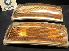 VW BUS FRONT TURN SIGNAL LENS PAIR (LEFT AND RIGHT) AMBER 1968-1973 211953141P