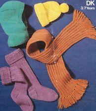 R408 RAGAZZI 3-7yrs DK Cappello, Balaclava, Calzini & Sciarpa Vintage knitting pattern