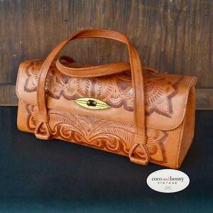 *Vintage 70's Mexican Tan Leather Tooled Handbag
