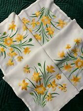 VINTAGE HAND EMBROIDERED TABLECLOTH - STUNNING SPRING DAFFODILS