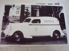 1935 FORD  SEDAN DELIVERY CITIES SERVICE CAR  11 X 17  PHOTO /  PICTURE